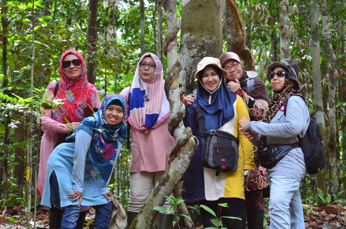 Wain River Forest & Balikpapan City Tour